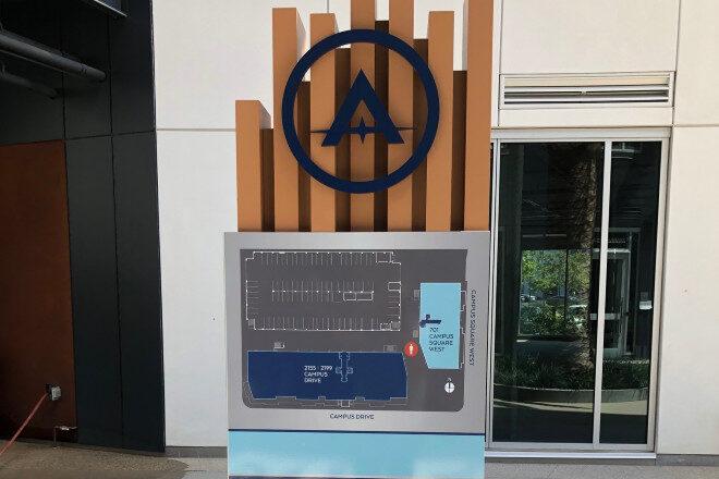 Aluminum Pylon Directories - Campus Drive